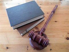 上海婚姻律师诉说离婚如何争夺孩子抚养权问题